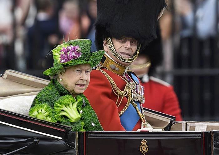 Reina Isabel vestida como un brocoli