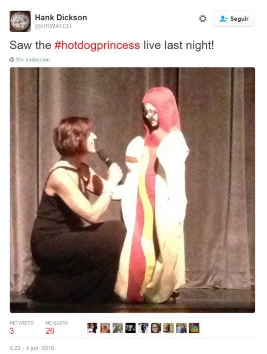 Comentario en twitter sobre la princesa hotdog
