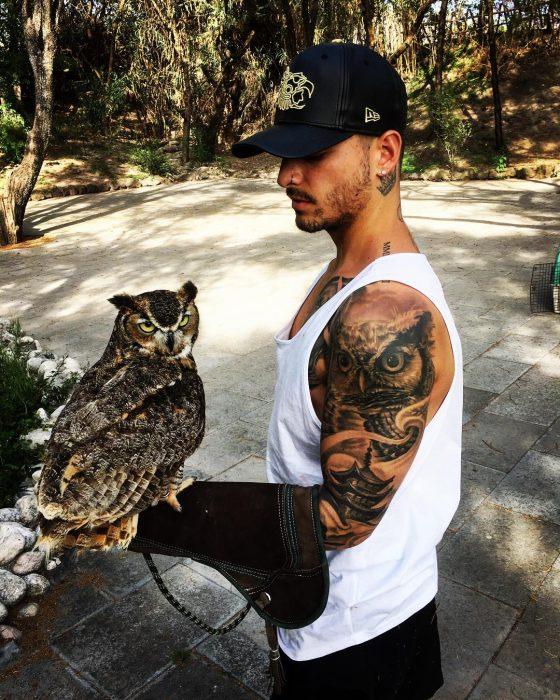 Maluma tatuaje búho