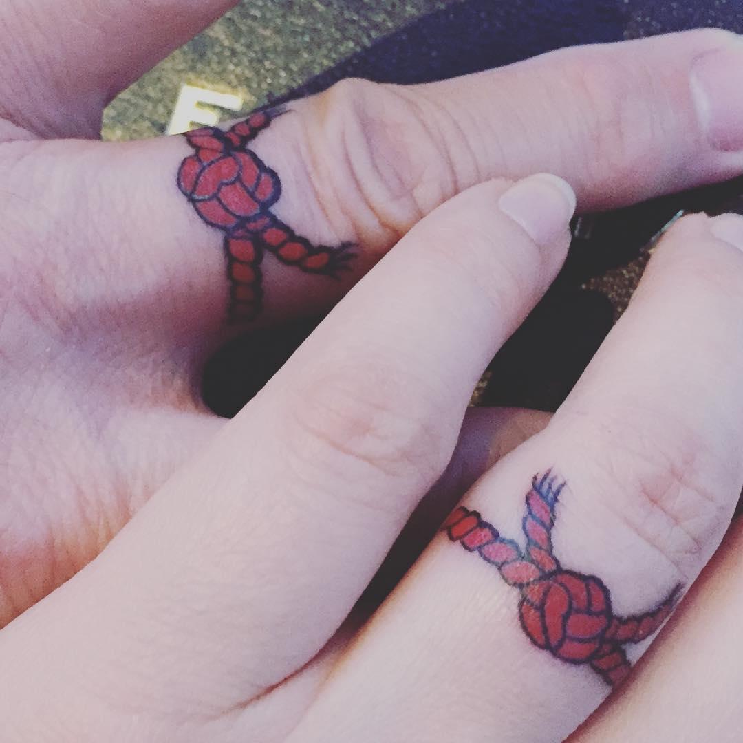 15 Tatuajes De La Leyenda De El Hilo Rojo Del Destino