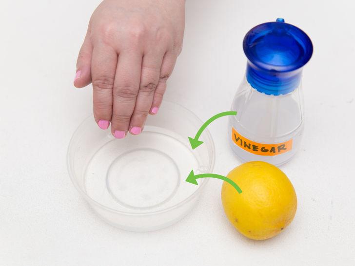 Vinagre y limón para eliminar los restos de esmalte de uñas