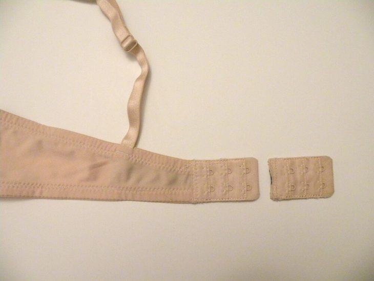 Ampliación de un sujetador de la parte de atrás