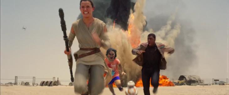 niña corriendo escena de star wars