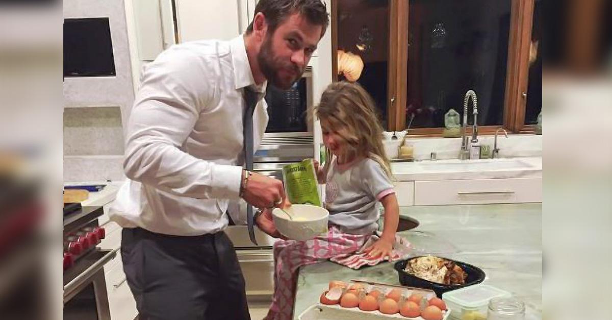 Papás que ayudan en el hogar tienen hijas más exitosas