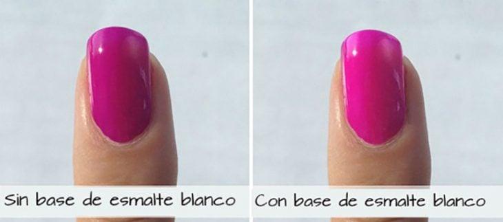 uñas de color rosa con y sin base de esmalte blanco