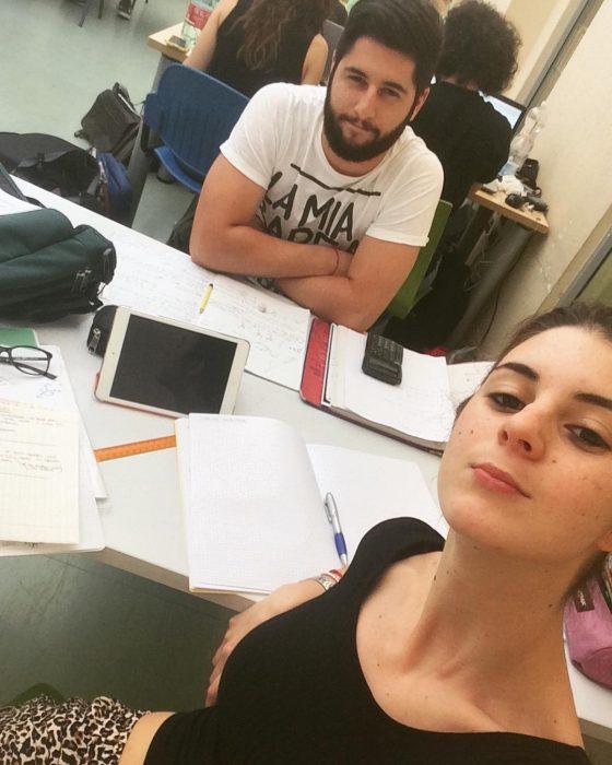 ingenieros estudiando