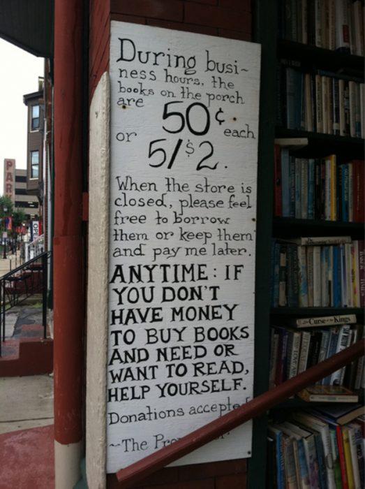 letrero en librería
