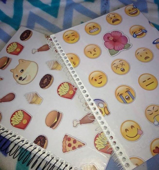 libreta de calcamonias con emoticones