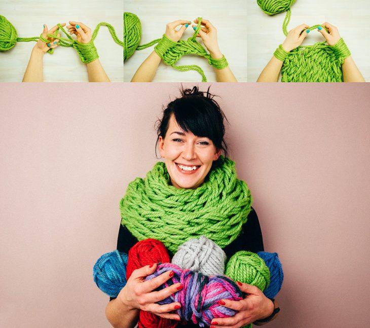 Tutorial de una chica haciendo una bufanda con sus manos