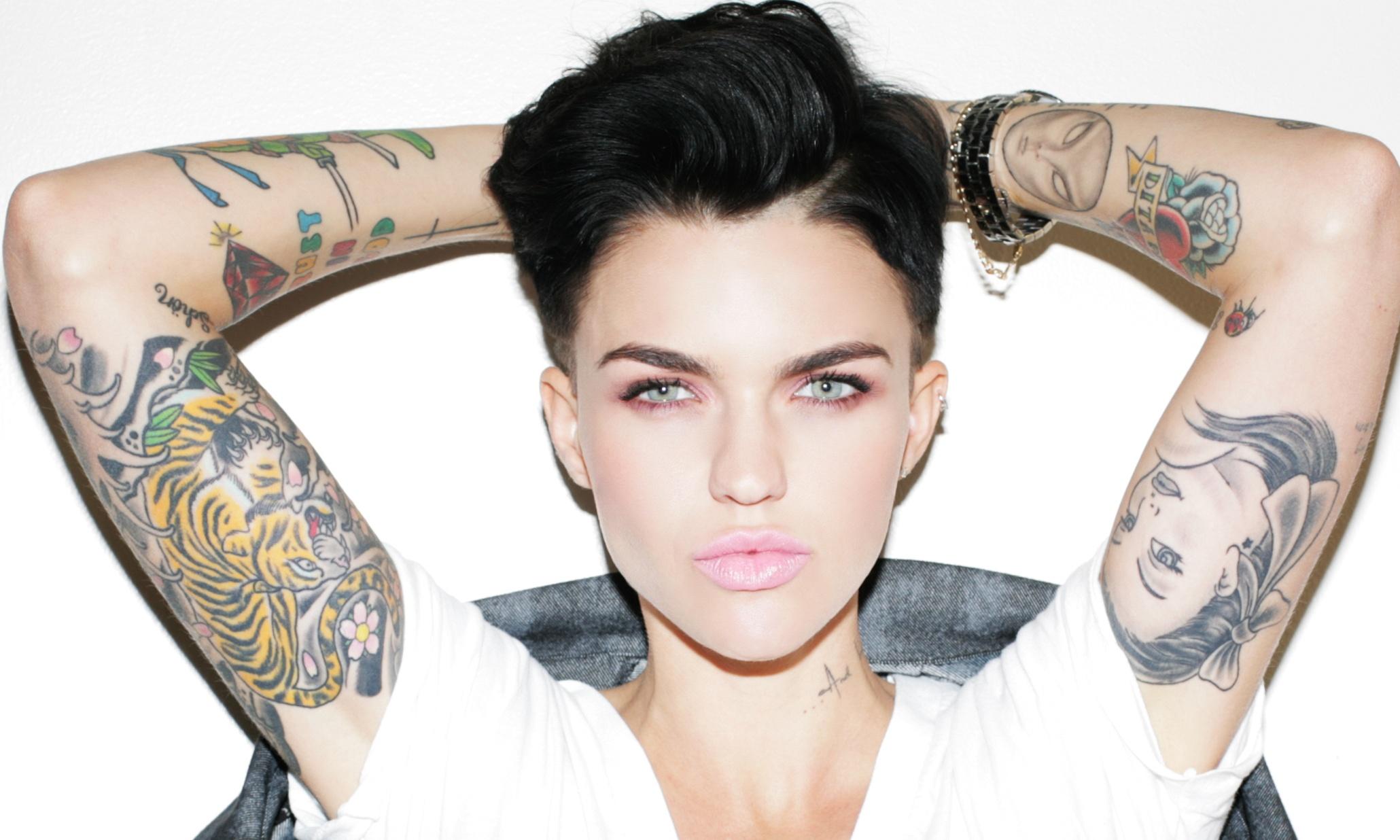 15 Chicas Con Tatuajes Que Te Cambiarán Tu Perspectiva