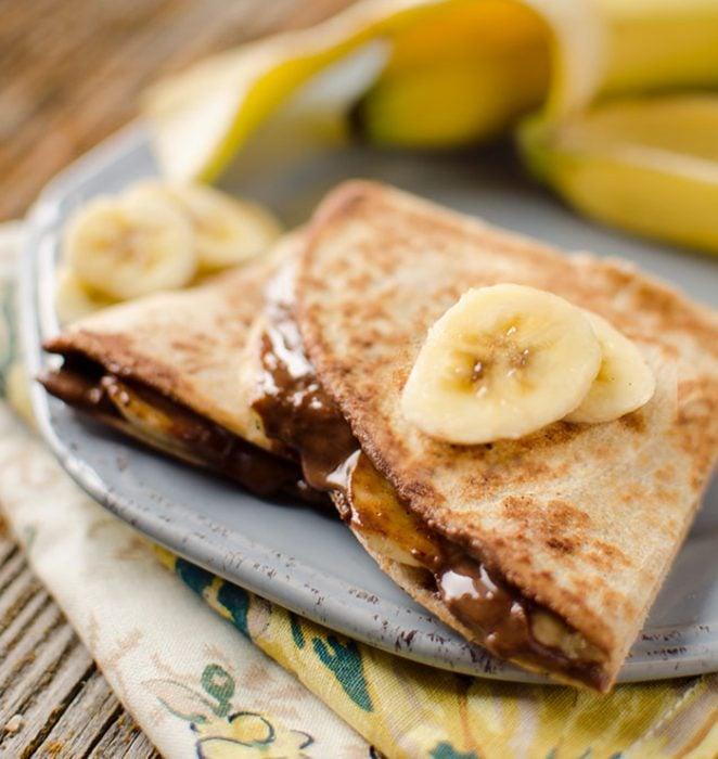 Quesadillas con plátano y chocolate.