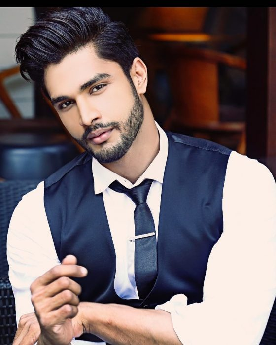 Rohit Khandelwal de la India ganador del concurso Mr. World 2016