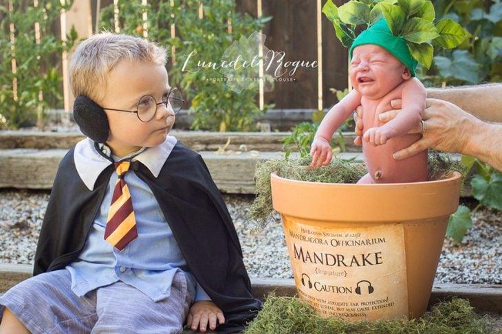 niños disfrazados de Harry Potter y Mandrágora