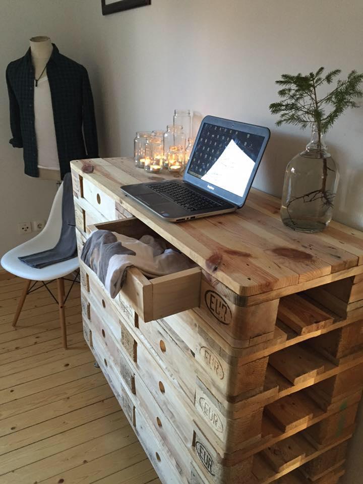 20 ingeniosas maneras de reutilizar los viejos palets - Mueble para herramientas ...