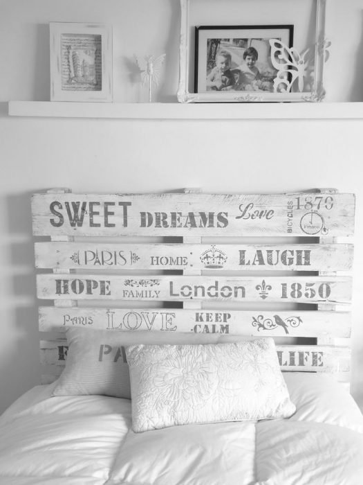 Cabecera para cama creada con palets