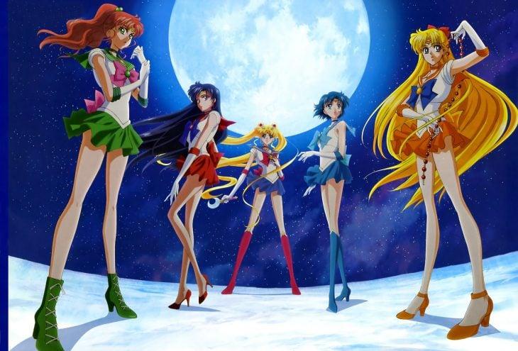 cinco niñas de caricatura vestidas de marineras sailoor moon