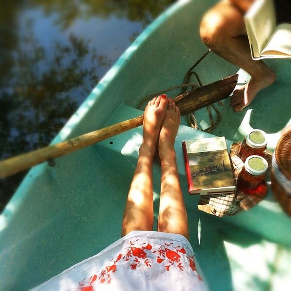 Paseo romántico en bote.