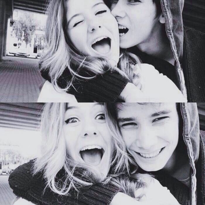 Fotografías en blanco y negro de una pareja.
