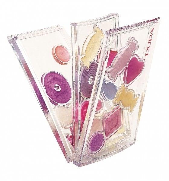 Brillo para los labios en paleta de varios colores.