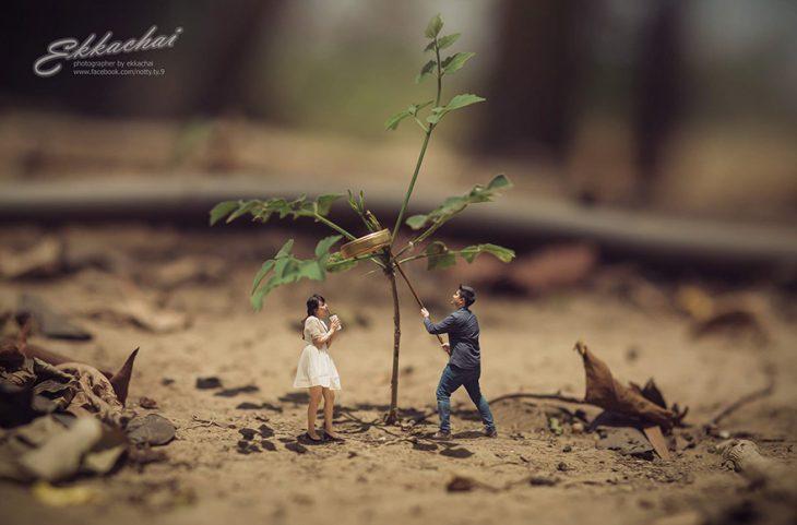 pareja en escenario miniatura