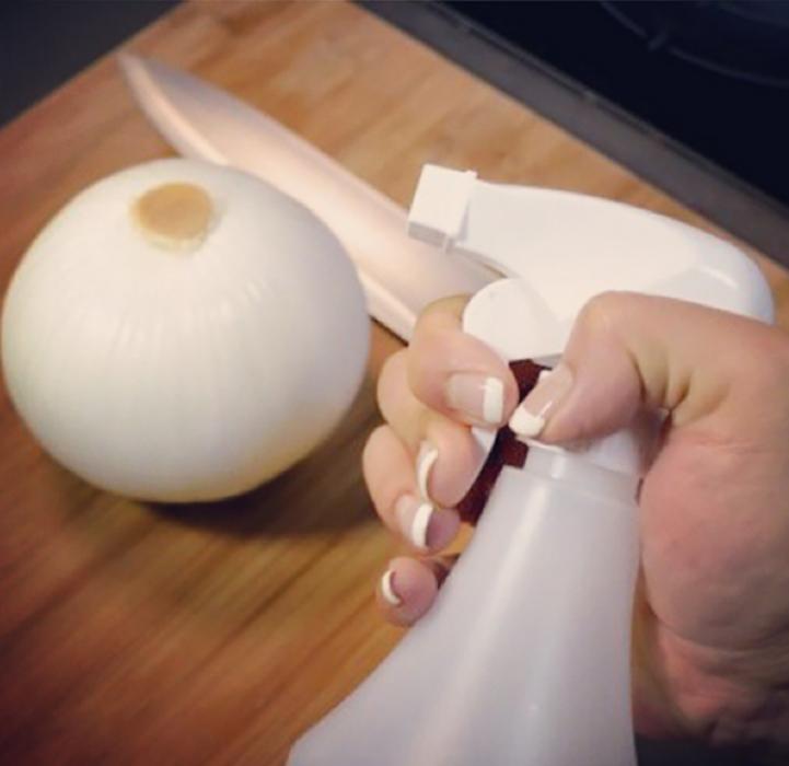 cebolla blanca con rociador blanco