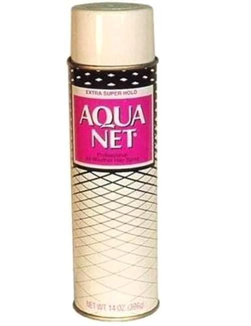 Spray Aquanet.