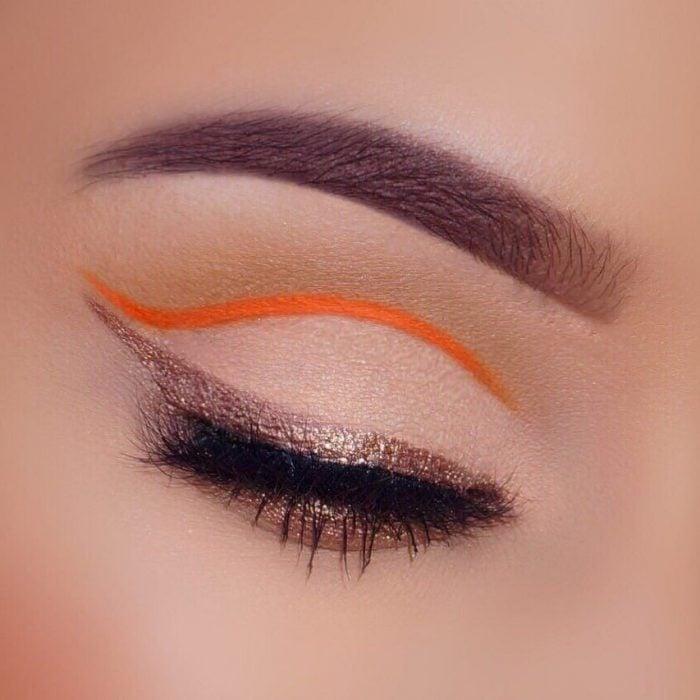 Maquillaje de ojos minimalista.