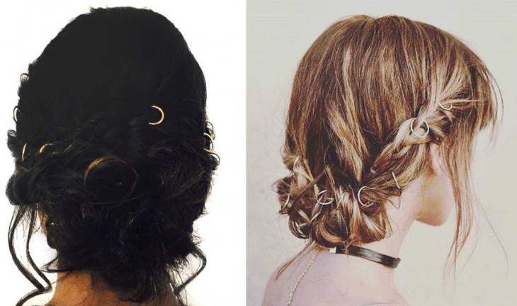 dos mujeres con cabello recogido con anillos