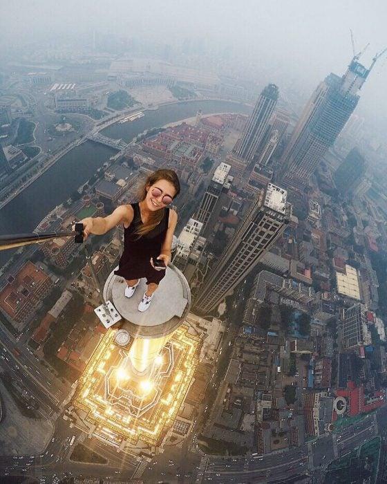 Selfie desde lo alto de un edifcio.