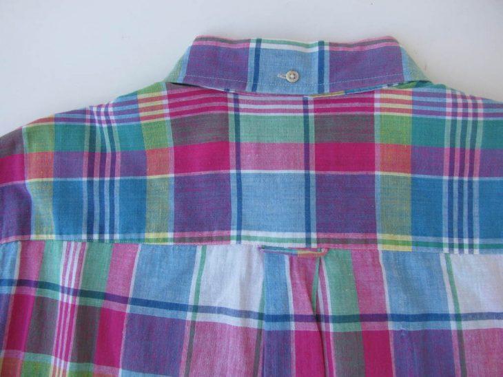 tirilla posterior de camisa