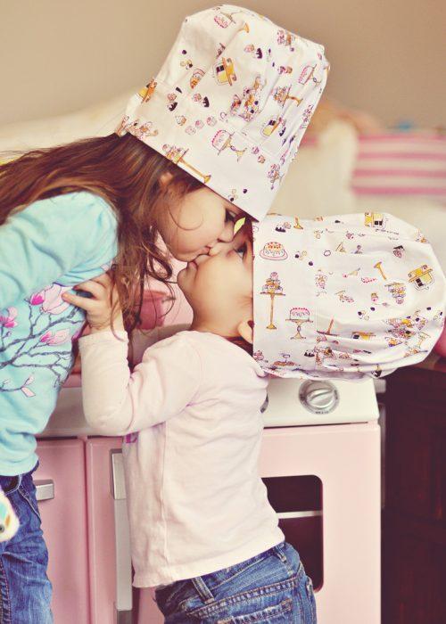 niñas con sombrero de chef