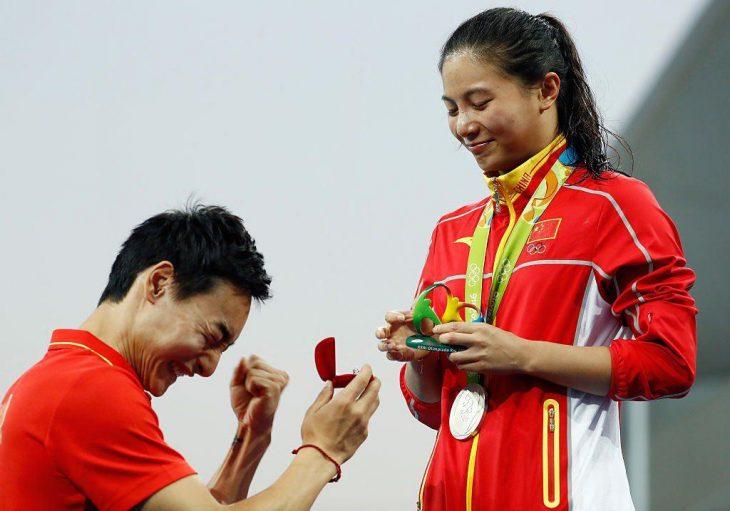 Qin emocionado al proponer matrimonio