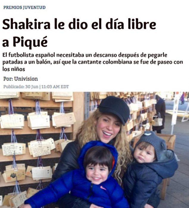 noticia de revista en linea y mujer rubia con sus dos hijos