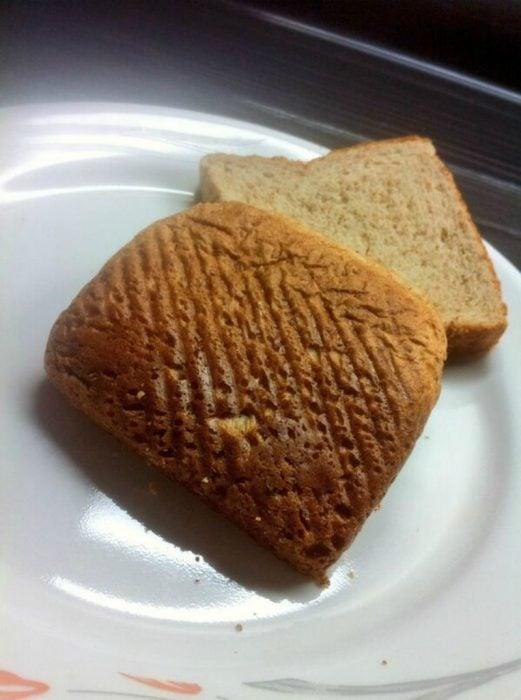 tapas del pan en un plato