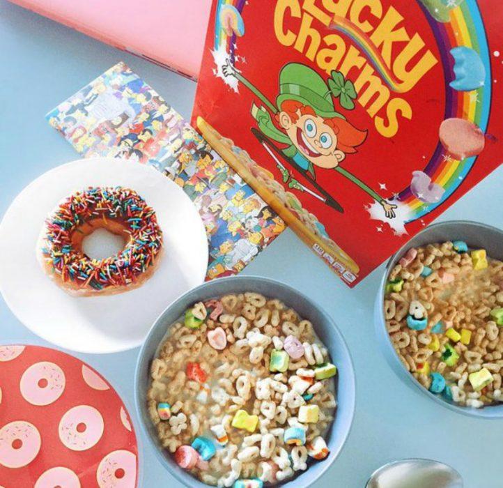 cereal lucky charm en un plato