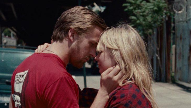 Escena de la película blue valentine pareja mirándose a los ojos