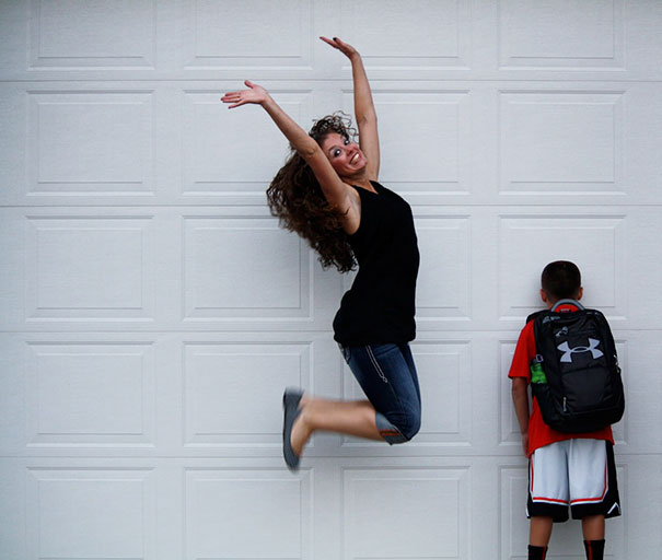 Mom jumping because your child returns to school