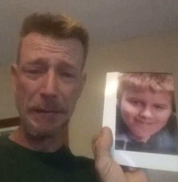 Padre de un niño de 13 años que se suicido durante un video de facebook
