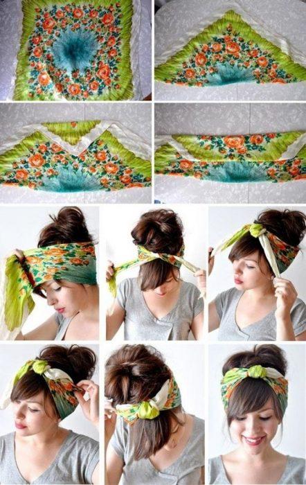 Chica explicando como anudar un pañuelo en su cabello para mostrar un recogido y su fleco