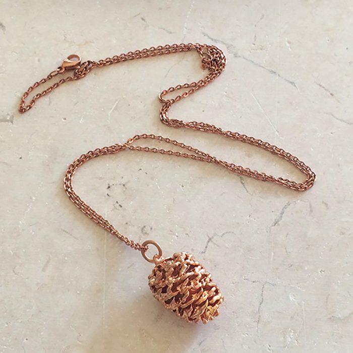 collar de piña color rose gold