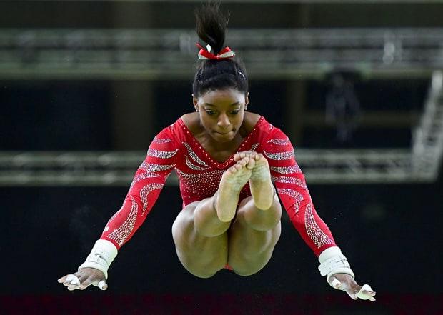 Simone Biles salto