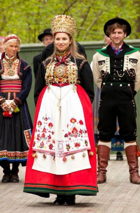 Traje de novia típico de Noruega