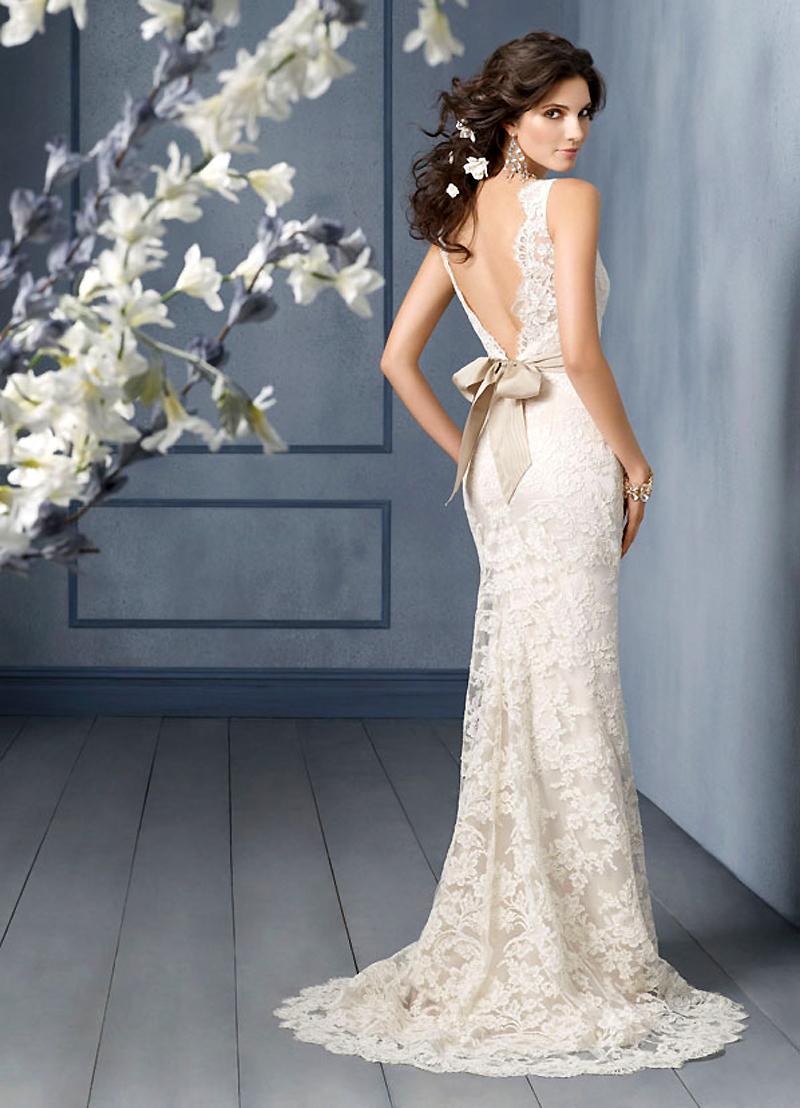 757bd0527 Estos vestidos de novia sin escote son totalmente increíbles