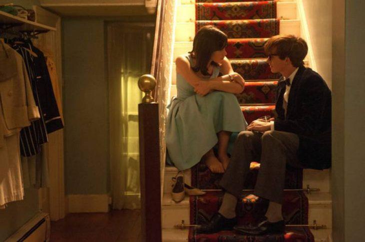 Imagen de la película La teoría del Tutto.