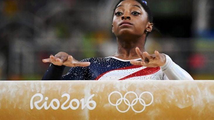 Gimnasta en los juegos olímpicos.