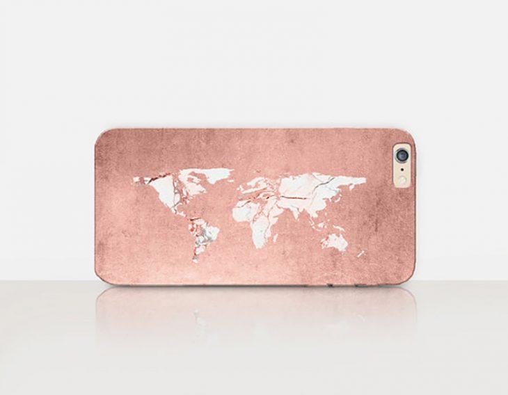 caratula de telefono celular con mapa del mundo color rosa gold