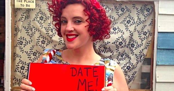 Foto de Michelle Thomas pidiendo una cita.