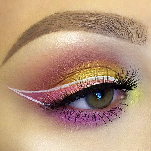Maquillaje de ojos futuristas