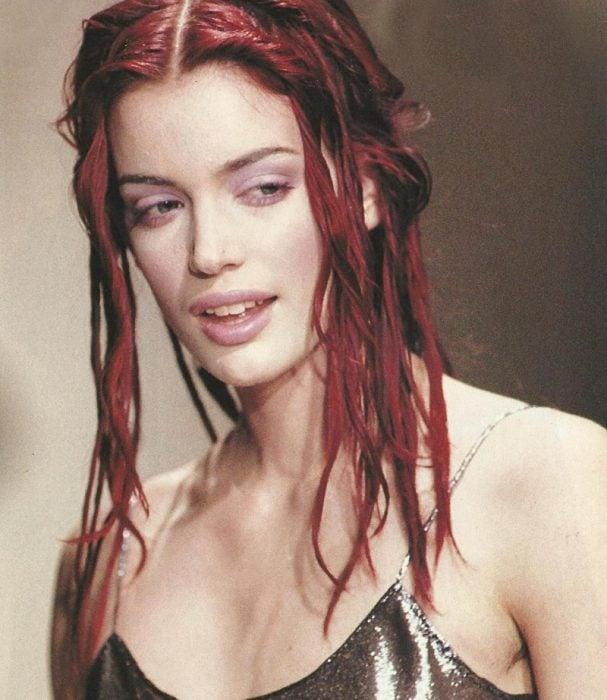 25 looks y accesorios con los que toda chica de los 90's amaba peinarse