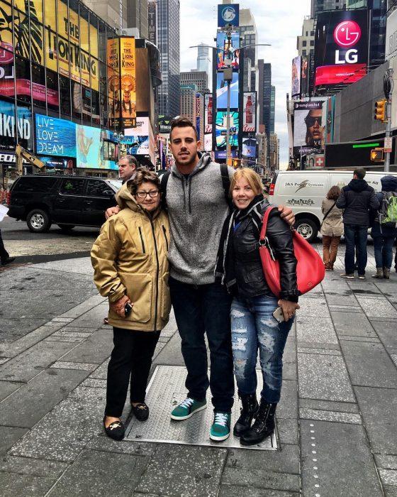Fotografía de José con su familia.